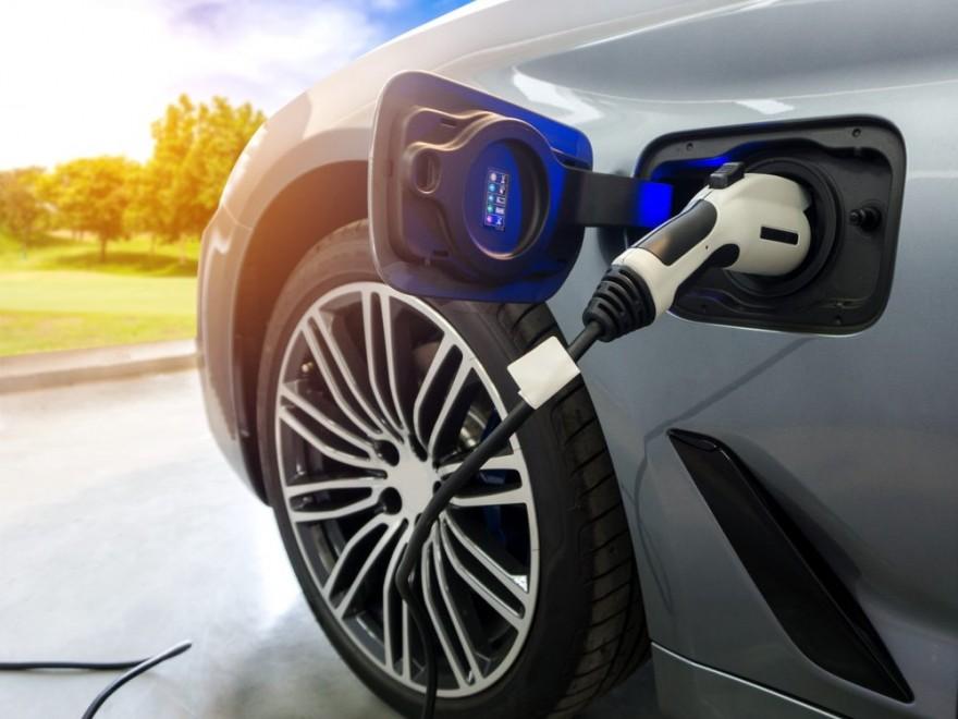 Automobilele electrice se cumpără din ce în ce mai mult în Europa