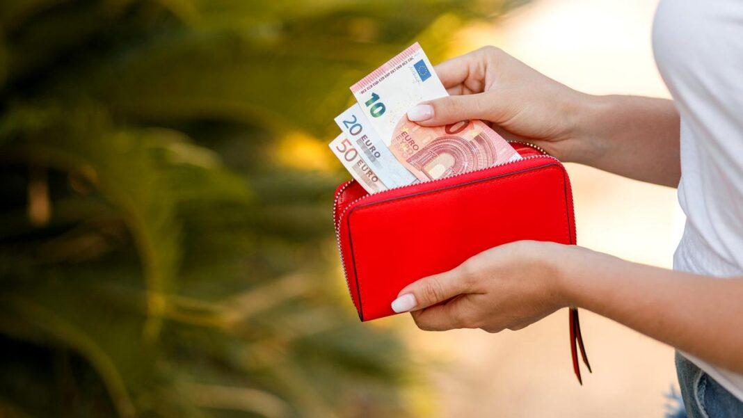 Spania mărește salariul minim pentru a reduce prăpastia dintre săraci și bogați