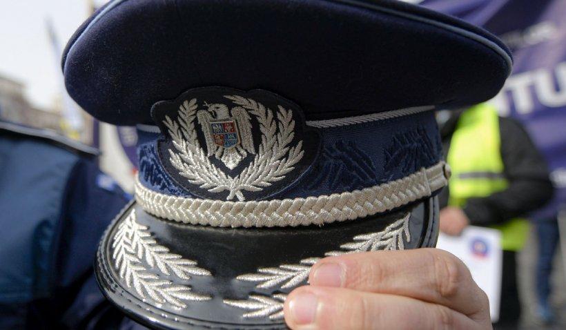 Trei polițiști